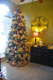 Sams Club Christmas Tree Storage by Momfessionals Come On In Christmas Decorations Edition