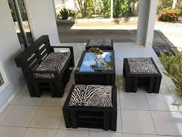 Wooden Pallet Patio Furniture Plans by Garden Furniture Idea With Old Wood Pallets Pallet Wood 10 Diy