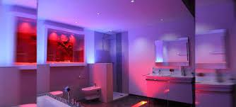 licht im bad das spiel mit lichtquellen intensität und farben