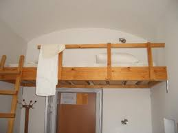 Low To The Ground Bunk Beds by The 12 Struggles Of Having A Top Bunk Bed