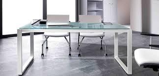 bureau en verre artdesign bureaux design avec plateaux mélaminéhêtre ou blanc uni