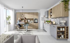 einbauküche grauer lack kombiniert mit holz nolte kuechen
