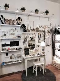 Jewelry Store Display Ideas