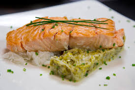 comment cuisiner un pavé de saumon comment cuisiner le saumon savoir le choisir le préparer pour
