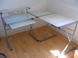 bureau d angle verre bureau d angle en verre table de bureau lepolyglotte