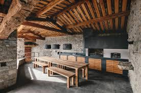 cuisine d ete couverte demeure de charme totalement rénovée en espagne vivons maison