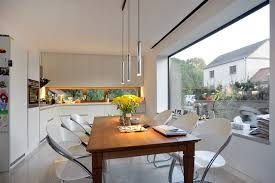 bauhausvilla in pankow küche mit sitzfenster modern