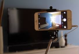 A er s guide to smartphone selfie sticks Which one should you