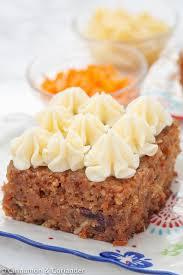 saftiger karottenkuchen mit ananas und kokos
