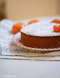 mandarinenkuchen mit ganzen früchten moment in a jelly jar
