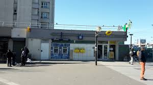 bureau de poste bichat la poste porte de la chapelle à en métro