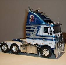 AMT Heavy Truck Models | Car & Truck Scale Models | Trucks, Scale ...
