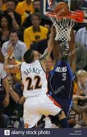 Golden State Warriors Matt Barnes challenges Dallas Mavericks Josh