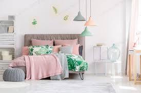weiß und rosa schlafzimmer foto bialasiewicz auf envato elements