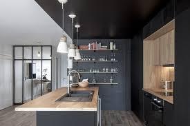 une cuisine et bois au coeur d une rénovation kitchens