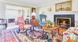 Living Room Interior Decor With Antique Persian Heriz Rug