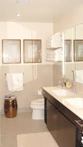 Lovely Hotel Style Towel Shelf Decorating Ideas in Bathroom