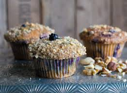 blaubeer joghurt muffins mit streuselnüssen