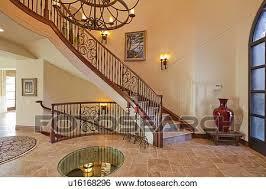 banque d images couloir intérieur à escalier et lustre