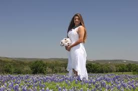 GypsyFarmGirl Caroles Bridal Portraits In A Field Of Texas
