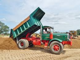Old Mack Chain Drive Still Humpin And Dumpin | Vintage Dump Trucks ...
