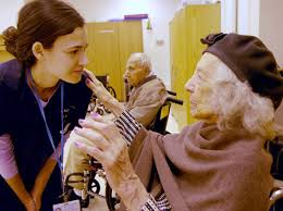 oung and old make friends at Hebrew Home NY Daily News