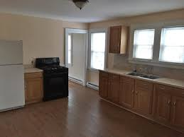 1 Bedroom Apartments For Rent In Waterbury Ct by Apartment Unit 3 At 141 Bradley Avenue Waterbury Ct 06708 Hotpads