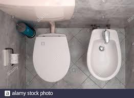italienisches badezimmer mit toilette und bidet draufsicht