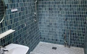 70er jahre badezimmer durchläuft die ganz große verwandlung