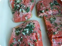 comment cuisiner du saumon surgelé filet de saumon au four mariné aux herbes aromatiques le