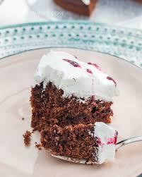 johannisbeer schoko torte mit vanille baiser fluff