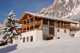 100 Leo Trippi Luxury Ski Destinations