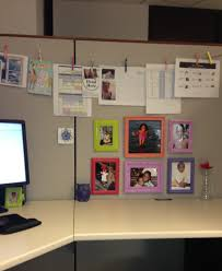 Cute Office Cubicle Decorating Ideas by Cubicle Decor I Like The Clips On A Banner And Love The