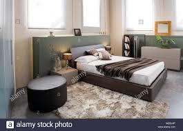 moderner luxus braun monochrome schlafzimmer einrichtung mit