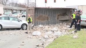 100 Dump Truck Crash 6 Injured Injured In Crash Involving Dump Truck 7 Vehicles In Tarrant