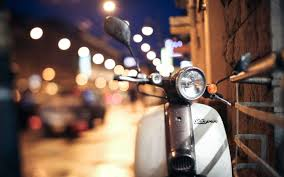Fantastic White Scooter Wallpaper 44229 45343 Hd Wallpapers