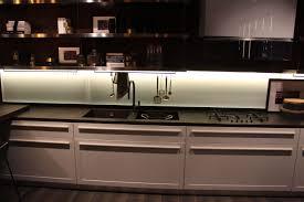 scavolini küche front dünne leiste mit einkerbung in der