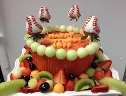 Cakes Decorated With Fruit by Cakes Made Of Fruit From Pretty To Wild And Wacky