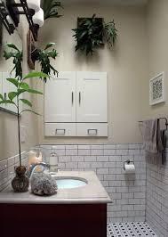 eine entspannende badezimmergestaltung mit pflanzen fürs bad