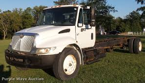 2005 International 4300 Truck Cab And Chassis   Item DD7396 ... 2005 Intertional 9400i Stock 17 Hoods Tpi Durastar 4400 Truck Cab And Chassis Ite 7500 Dump Truck Used Intertional Tractor W Sleeper For Sale Price 7400 6x4 Dump Truck For Sale 523492 Brown Isuzu Trucks Located In Toledo Oh Selling Servicing 8600 South Gate Ca For Sale By Owner Rear Loader 168328 Parris Sales Cxt 4x4 Offroad Semi Tractor Wallpaper 4300 Elliott Ii50fnaus 60ft Bucket Item Dd7396 Cab Chassis In New