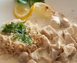 cuisine avec du riz riz au poulet avec sauce aux chignons recette de riz au poulet