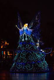 When Does Disneyland Remove Christmas Decorations by Dreamlights Disney U0027s Best Night Parade Disney Tourist Blog