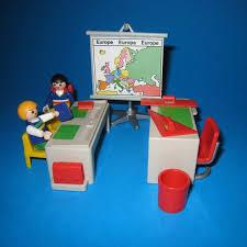 bureau playmobil pin école des playmobil on