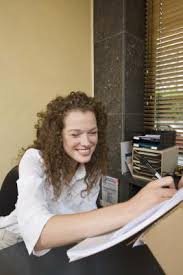 Front Desk Receptionist Salary Nj by What Do Receptionists At A Plastic Surgeon U0027s Office Make In Salary