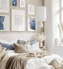 moderne blau und sandfarbene beige bilderwand line poster schlafzimmer beige