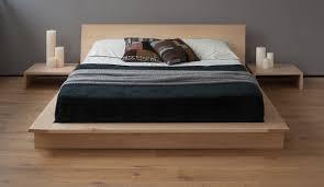 Oregon Table In Maple Platform Solid Wood Bed