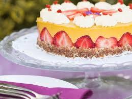 Hochzeitstorte Mit Erdbeeren Und Limetten Erdbeertorte Mit Limettenguss