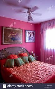 rosa master schlafzimmer dekoration stockfotografie alamy