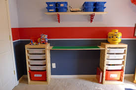 Diy Floating Desk Ikea by That Mommy Blog Lego Storage And Play Table An Easy Ikea Hack