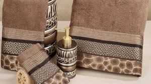 Safari Decor For Living Room by Brilliant Safari Style Bathroom With Leopard Print Accents Design